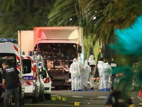 Du học sinh Việt lo sợ sau khủng bố liên hoàn tại Paris